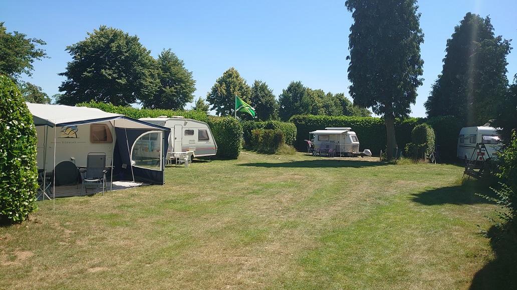 Rustige camping in de Achterhoek - overzicht plek 8-9-10